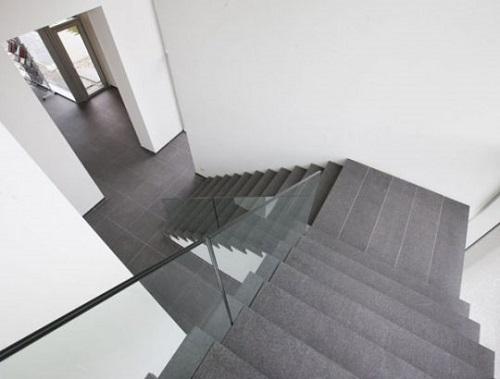 Top 3 mẫu gạch lát cầu thang chống trơn Taicera Tốt – Cam kết An toàn