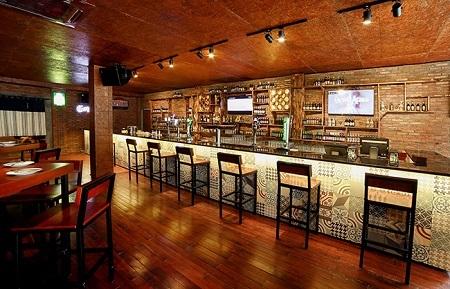 Gạch ốp quầy bar
