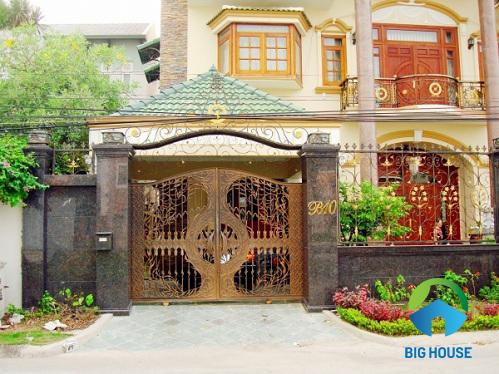 Cách chọn gạch ốp trụ cổng nhà Đẹp cho nhà cấp 4, nhà ống, biệt thự