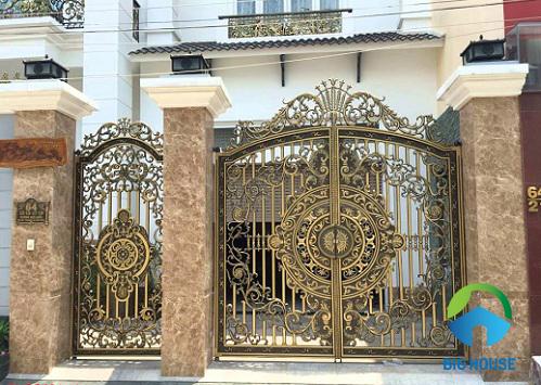Mẫu gạch ốp trụ cổng nhà đẹp, sang trọng