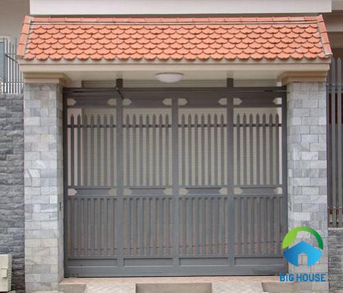 gạch ốp cột vuông cho cổng nhà đẹp mắt