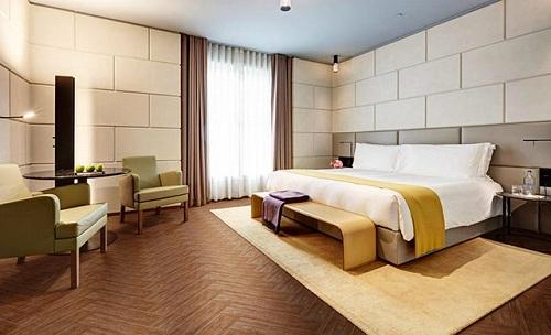 Cách lát gạch giả gỗ cho phòng ngủ