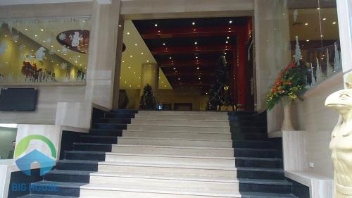 cầu thang tam cấp