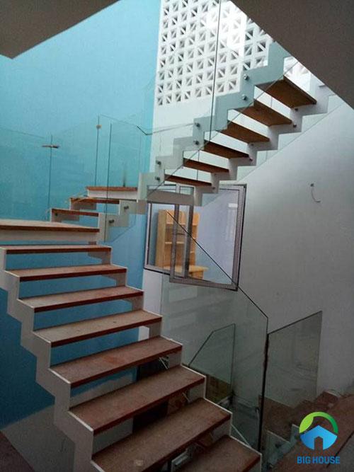 lựa chọn vật liệu cầu thang ziczac