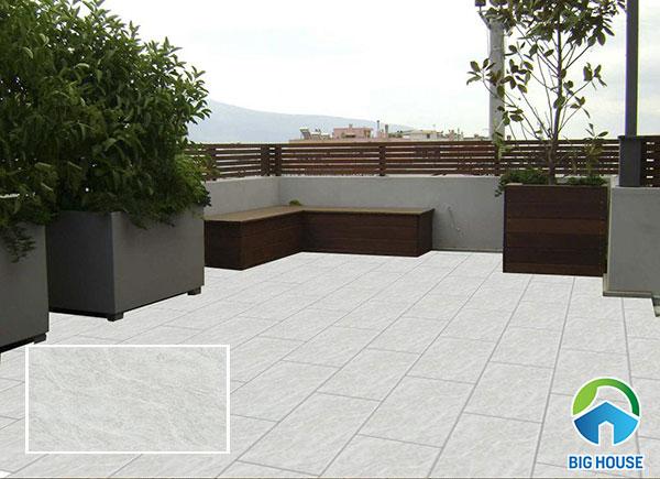Mẫu gạch granite lát sân thượng màu ghi sáng trang nhã