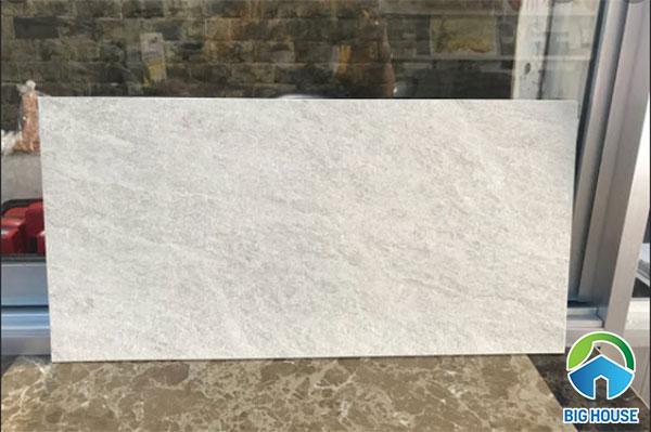 Mẫu gạch granite lát sân thượng màu ghi trắng độc đáo