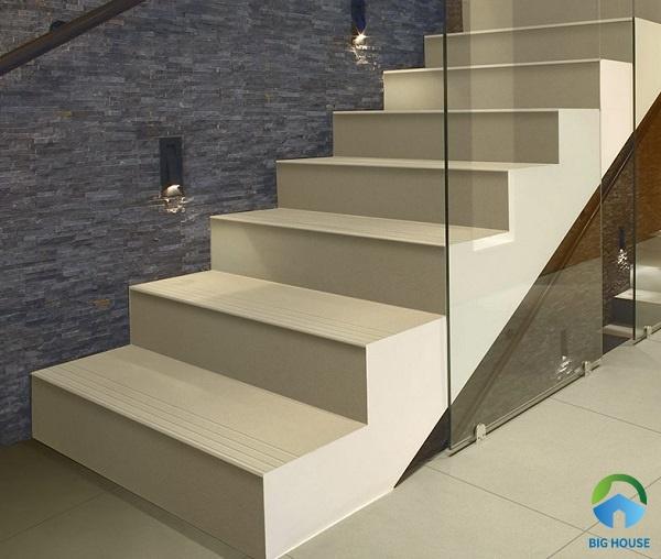 Tiêu chí gạch lát cầu thang Taicera