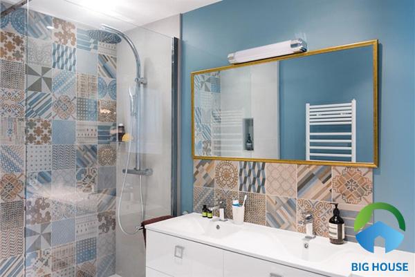 Độc đáo, ấn tượng với gạch ốp lát nhà tắm đa sắc màu