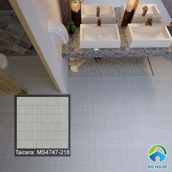 Gạch xám họa tiết mosaic lát nền nhà vệ sinh giúp chống trơn tốt