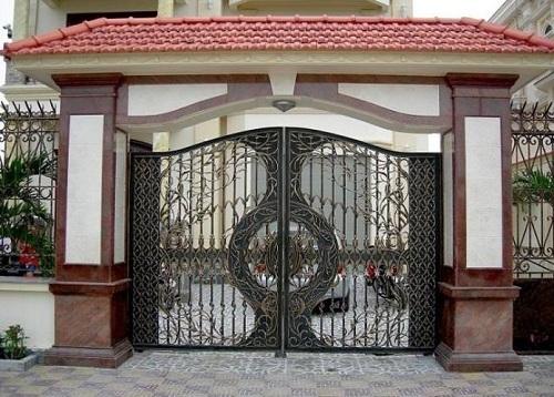 Gạch ốp cổng nhà sang trọng