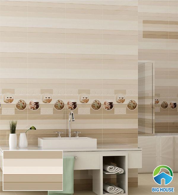 Gạch vân gỗ Prime ốp tường nhà tắm tông nâu nhẹ nhàng, tinh tế