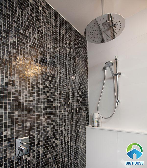 Mẫu gạch mosaic ốp tường nhà tắm độc đáo