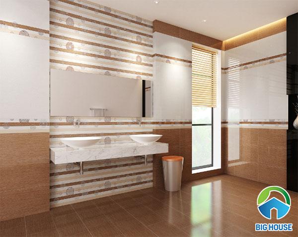Gạch nâu vân gỗ ốp nhà tắm tạo cảm giác ấm cúng