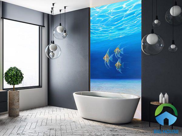 Trong phòng tắm nhưng vẫn được chiêm ngưỡng đại dương bao la. Nhờ bức tranh gạch 3D mà bạn có cảm giác cảnh vật như thật