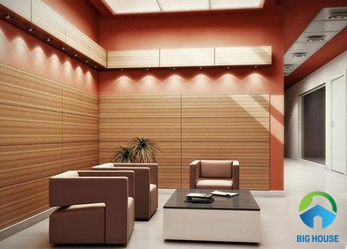 gạch ốp tường phòng khách giả gỗ nhẹ nhàng