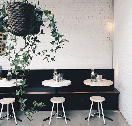 Gạch ốp tường quán cafe nhẹ nhàng