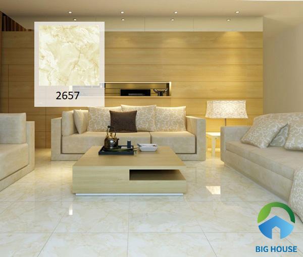 Gạch Prime 2657 kích thước 50x50 tone vàng nâu mang tới hiệu quả thẩm mỹ cao cho phòng khách. Kết hợp thêm với một số mẫu đèn LED âm trần hoặc ốp tường, không gian của bạn sẽ trở nên lung linh hơn bao giờ hết