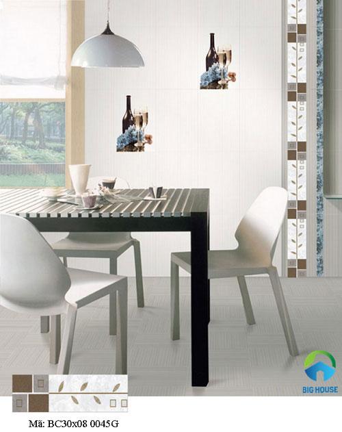 Ốp gạch điểm theo chiều dọc giúp nâng cao không gian sử dụng