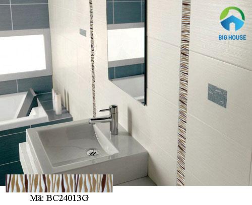 Chọn gạch viền để tạo điểm nhấn cho nhà tắm